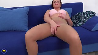 Amateur dour MILF Serena K. blows and rides weasel words on the couch