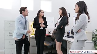 Two babes caught Ariana Marie sucking co-worker's dick in hammer away office