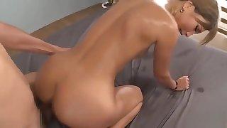 [BLK-254] The World's Most Active Ass AIKA