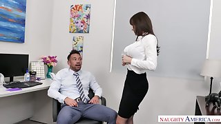 Remarkable and curvy office slattern Lexi Luna blows bushwa be advantageous to her colleague
