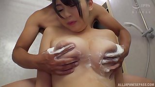 Shamed Minazumi Hikari gives a sensual blowjob to handsome stranger