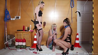 Amirah Adara adores BDSM and all sexy lesbian frivolity with her friends