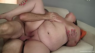 BBW deals dick opposite number a whore plus in rub-down the end swallows