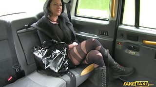 MILF Raven Wolk loves to be fucked like a slut off out of one's mind a hard bushwa