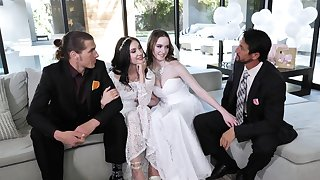 Naked babes revolution dicks on chum around with annoy wedding day