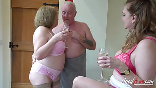 AgedLovE Two Matures and Elbow Man in Threesome