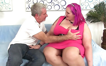 Sara Star gets her cunt fucked away from a neighbor while her tits bounce